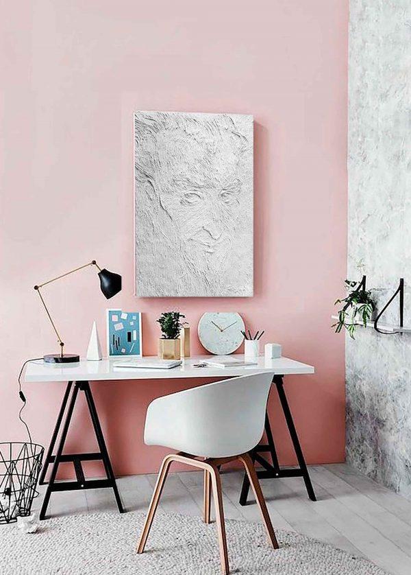 """Bild """"Don Kichot"""" im Arbeitszimmer über dem Tisch."""