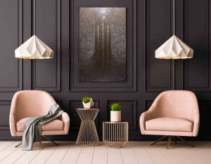 """Monochromes Bild """"Dreieinigkeit"""" im Retro Interieur."""